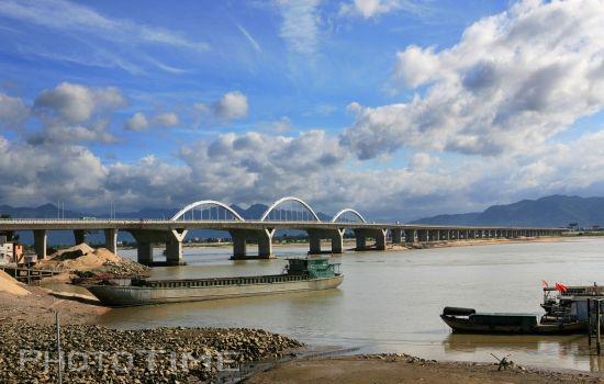 福州湾边特大桥